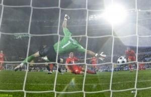 Гол от Давида Сильвы, матч с Испанией на Евро-2008.